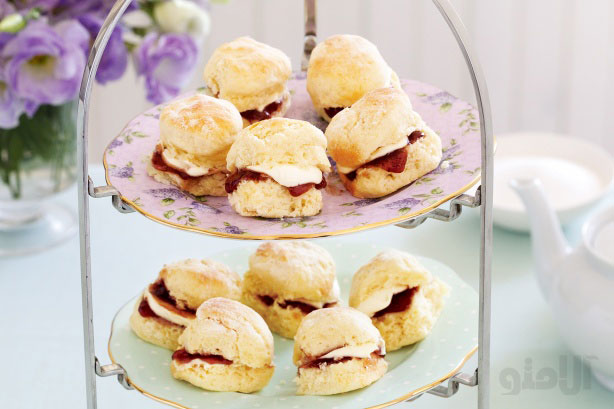 Baby-scones-with-jam-and-cream
